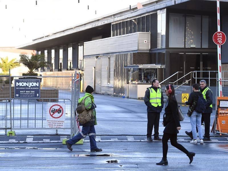 Dangerous Melbourne pier stays closed